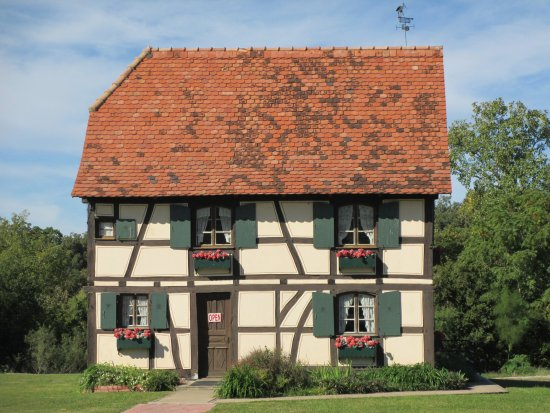 Steinbach Haus Visitors Center: Wonderful medieval architecture.
