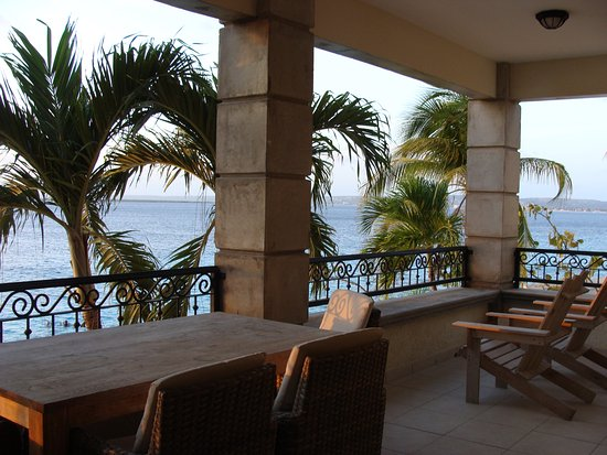Bellafonte Luxury Oceanfront Hotel: view from balcony