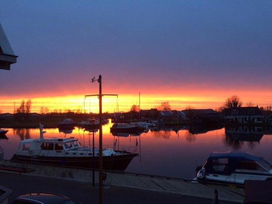 Grouw, هولندا: De zonsondergang verveelt nooit