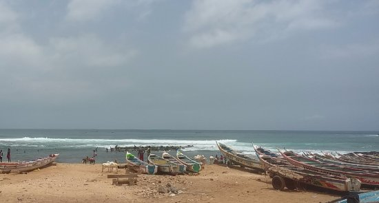 Yoff, Senegal: Surfing in oukam