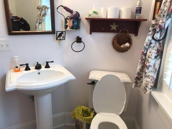 Kennedyville, MD: Barn View Bathroom