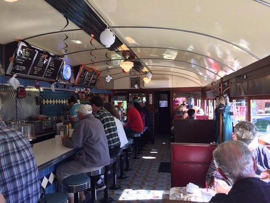 Hickory Corners, MI: Inside diner