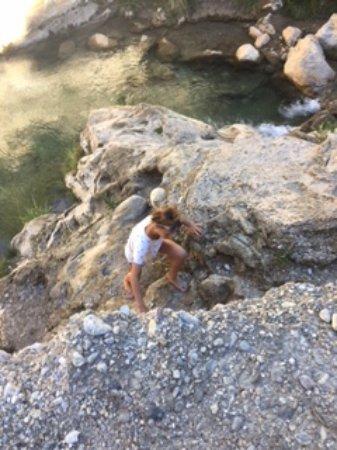 Otivar, Spain: My daughter climbing up the path