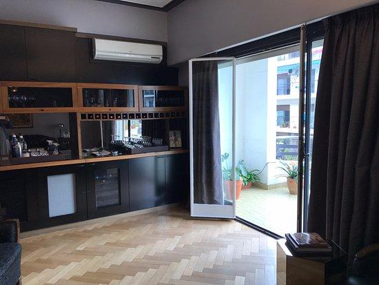 The 5th Floor: Hotel drinks area