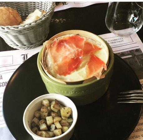 Chez Lulu: Mont d'or et pommes de terre rissolées