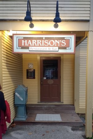 Harrison's Restaurant & Bar: Hard to find the building, way worth searching for!