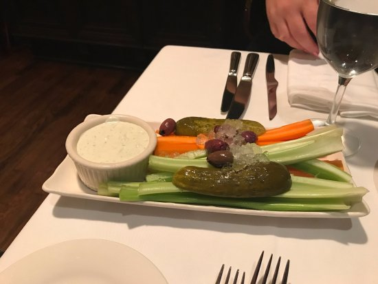 Keens Steakhouse: Raw veggies - Blue Cheese dressing was AWESOME!