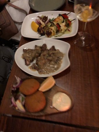 La Barca Spanish Tapas & Wine Bar: photo3.jpg