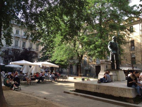 Quadrilatero Romano: Monumento a Giovanni Battista Bottero