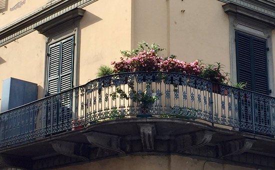Quadrilatero Romano: Via Botta corner Via Santa Chiara