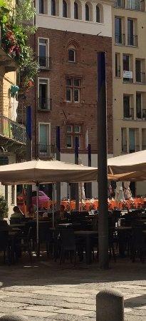 """Quadrilatero Romano: At Largo Botta, one of the rare examples of '400s """"crociera"""" windows in Turin"""