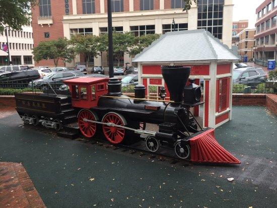 Marietta, GA: Glover Park Halloween Decorated