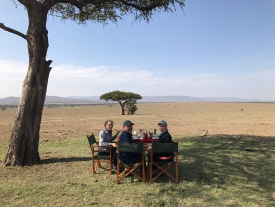Porini Mara Camp: Breakfast in the Mara!