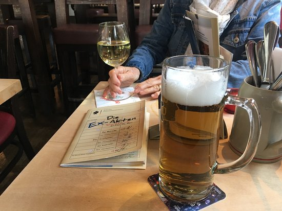 EX Vertretung: Beer and wine