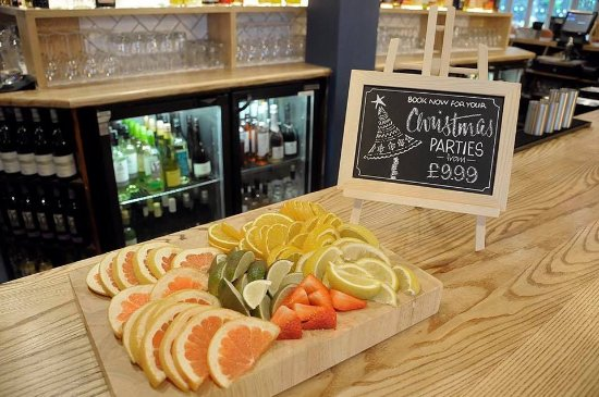 Fresh Displays Picture Of Goodwins Restaurant And Bar Warrington - Restaurant table displays