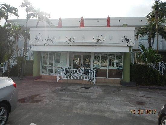 Best Western Hibiscus Motel: Main entrance, Front Desk & Brealfast Area,