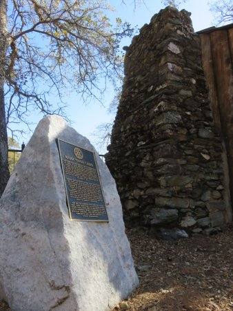 Tuolumne, CA: Fireplace end of small Mark Twain Cabin
