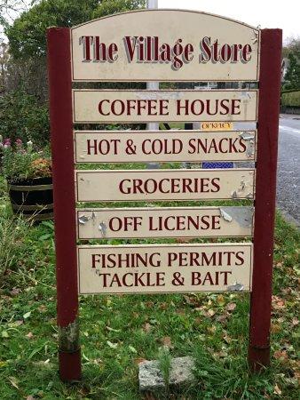 St. Fillans, UK: Signaalbord langs de weg