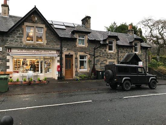 St. Fillans, UK: De village store