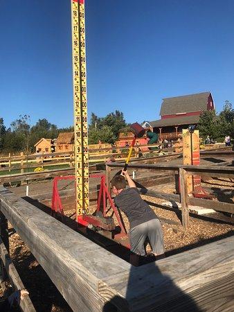 Gretna, NE: strength training 2 at Valas