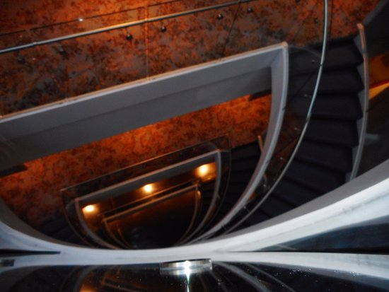 The Westin Peachtree Plaza, Atlanta: Beautiful Spiral Staircase