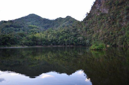 La Vega, كولومبيا: Vista de la laguna y de su isla
