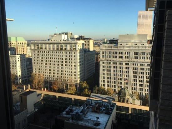 Duniway Portland A Hilton Hotel
