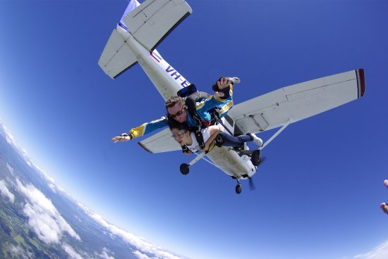 Gold Coast Skydive: Exit left