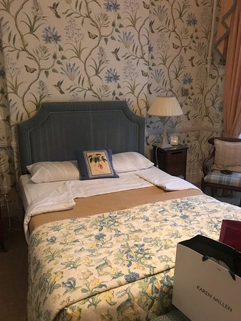 Longueville House Hotel: This was our bed in our room