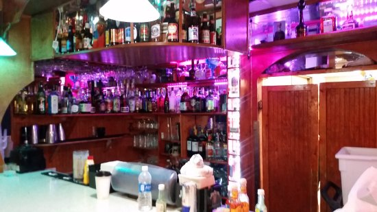 Ashland, KY: As you can see, our bar has many selections of beer, liquors, and mixed drinks
