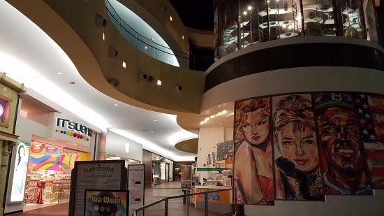 The Playground at Caesars: Playground shopping level