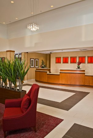 Residence Inn Newport News Airport: Front Desk