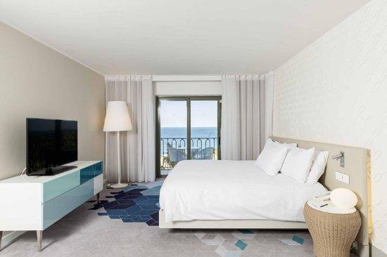 Hilton Malta: Junior Suite