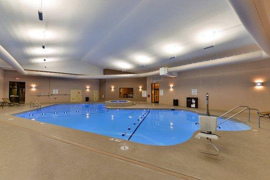 Breezewood, PA: Swimming Pool