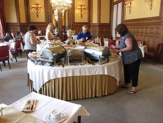 Hotel Avenida Palace: Breakfast buffet