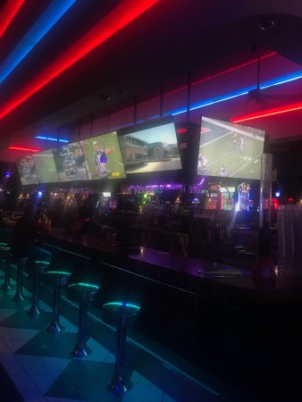 Dave & Buster's: photo0.jpg