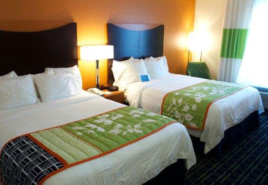 Beloit, WI: Queen/Queen Guest Room