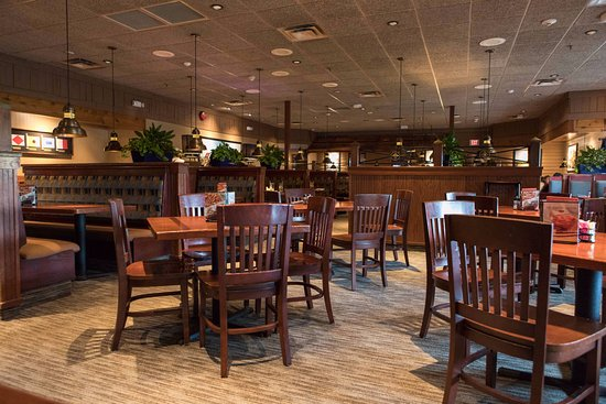 Red Lobster: Seating