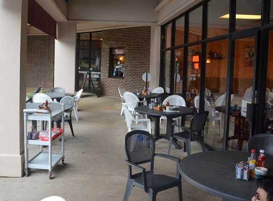 Davidson, NC: Outside Dining