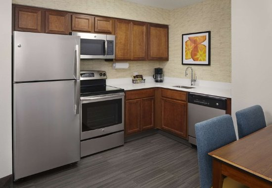 Earth City, MO: Two-Bedroom Suite Kitchen