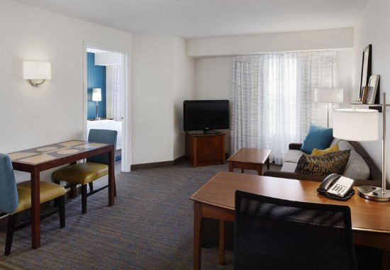 Earth City, MO: One-Bedroom Suite