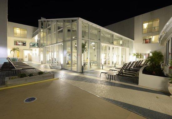 Courtyard Ocean City Oceanfront : Indoor Pool