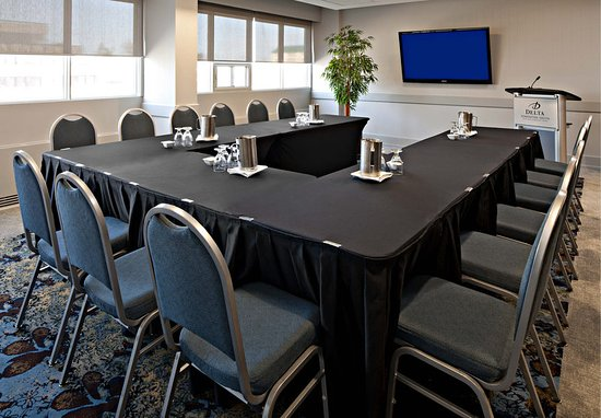 Red Deer Hotels With Meeting Rooms