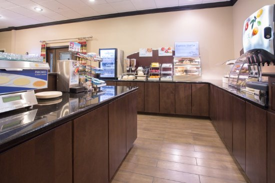 Start your day at Lexington Nebraska Holiday Inn Exp w/'Breakfast