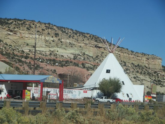 Tee Pee Trading Post, Lupton Arizona