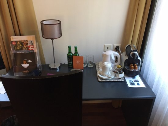 Sorell Hotel Seidenhof: Complimentary tea and coffee