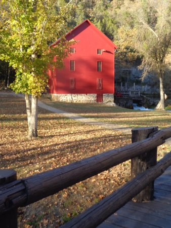 Eminence, MO : Alley Spring Mill