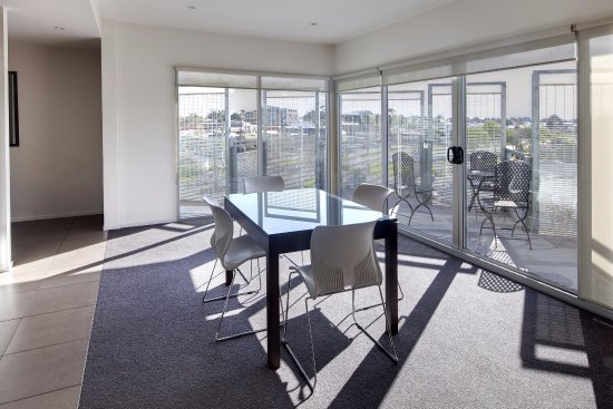 Punthill Essendon Grand Apartments : Living Area