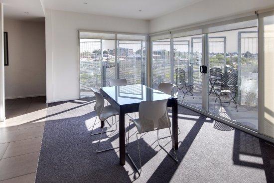 Punthill Essendon Grand Apartments: Living Area