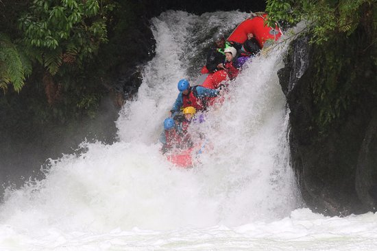 Hamurana, นิวซีแลนด์: Right before the raft was fully submerged